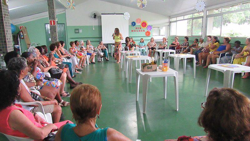 Trabalho Social com Idosos (TSI) desenvolve atividades voltadas ao dia Internacional da Mulher