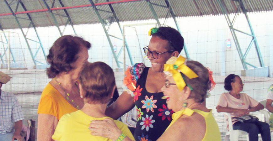 Carteirinha do Sesc: alterações nas regras permite a inclusão de avós como dependentes