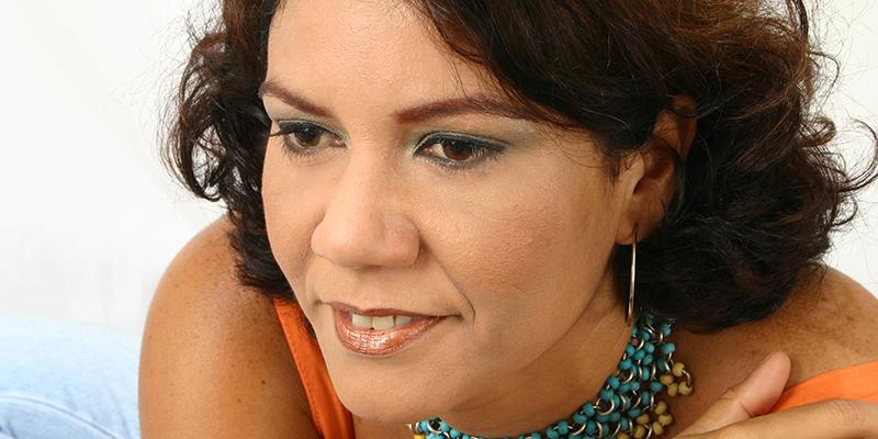 Cena Musical: Dennise Pontes – Bem Brasileira